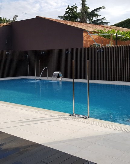 Are you looking for hotels with swimming pool in Madrid? ...